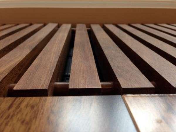 Деревянная решетка внутрипольного конвектора