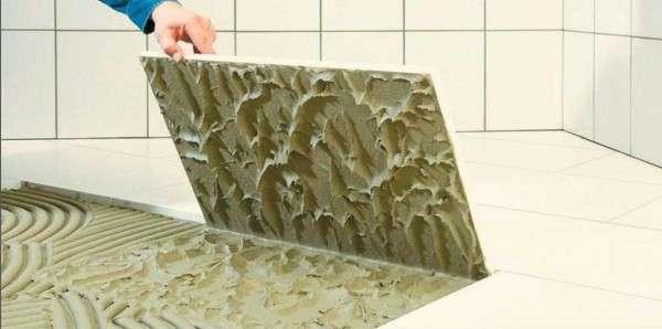 Укладка плитки на специальный клей
