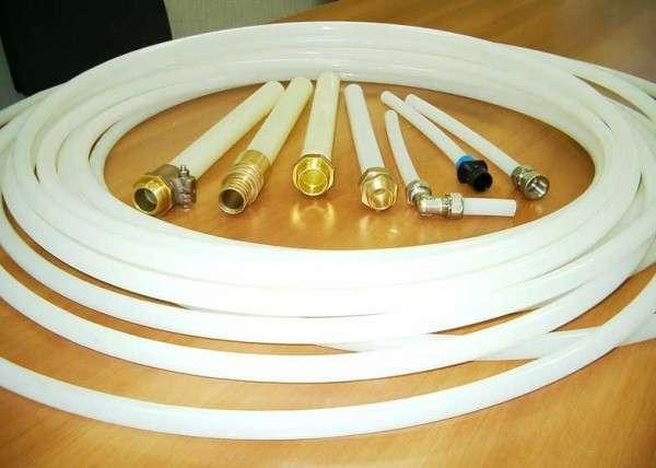 Трубы из сшитого полиэтилена с фитингами